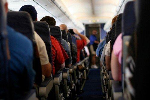Из-за неудачного фильма самолету пришлось совершить экстренную посадку