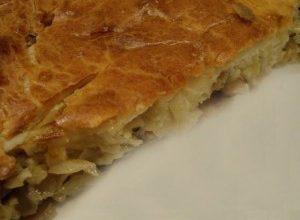 Пирог из картофеля и квашеной капусты
