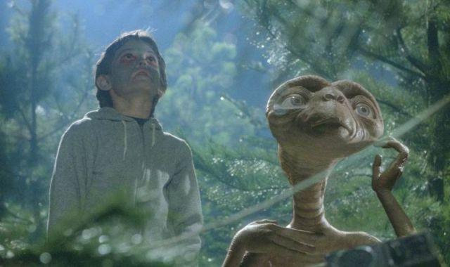 Список топ 10 лучших фильмов про инопланетян