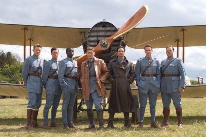 Список топ 10 лучших фильмов про авиацию
