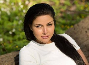 Юлия Лаврова