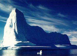 Список топ 10 лучших фильмов про айсберги