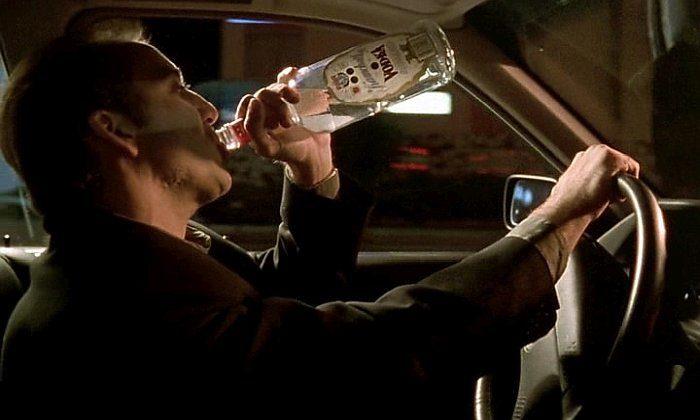 Список топ 10 лучших фильмов про алкоголиков