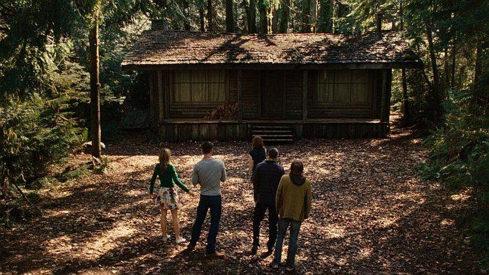 Список топ 10 лучших фильмов ужасов про молодежь на отдыхе