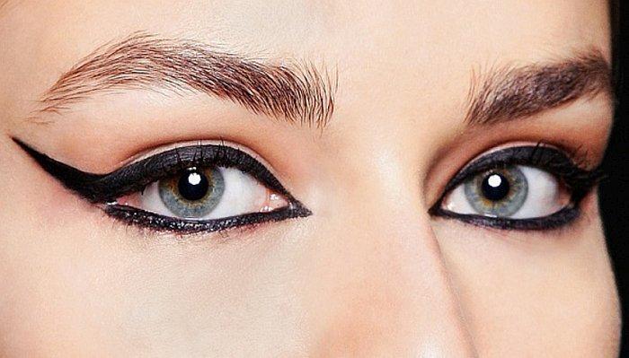 Рисуем черные стрелки на глазах
