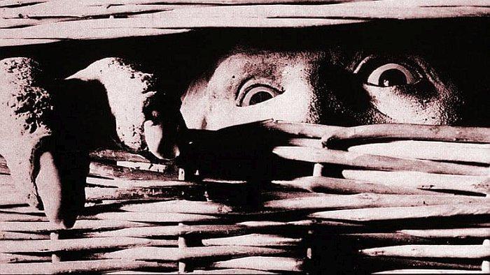 Фильмы Существо в корзине
