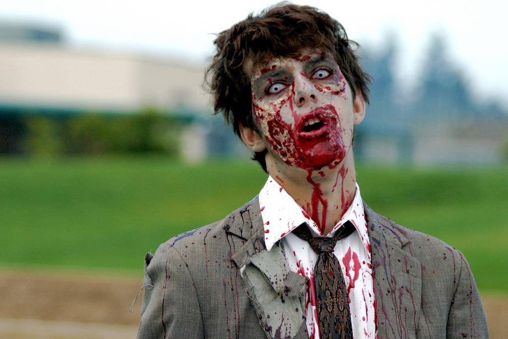 чувак-зомби