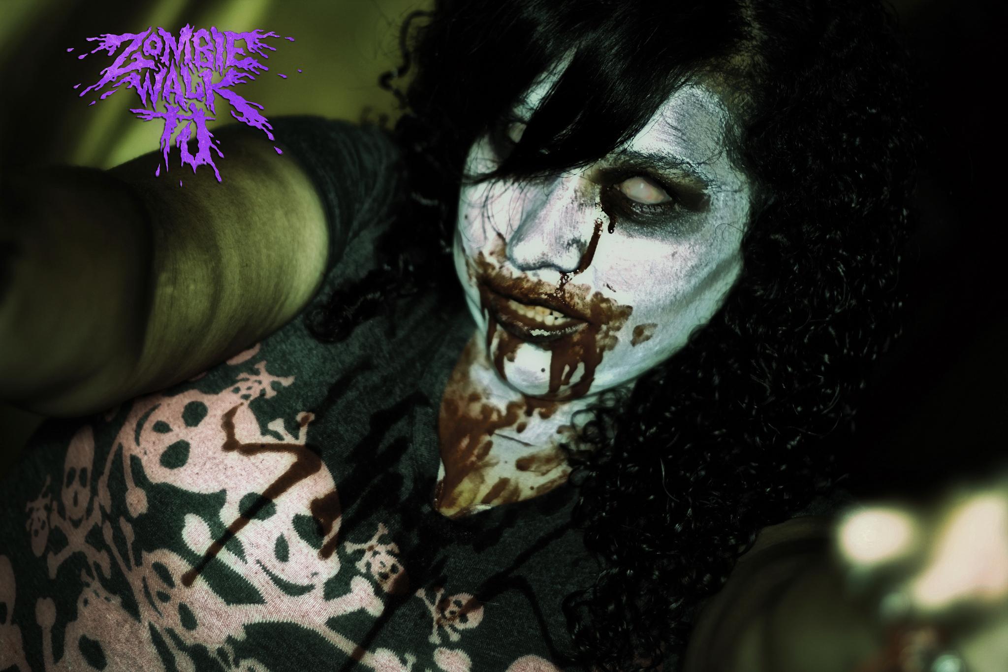 девушка-зомби
