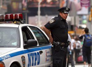 Американец грозился съесть всех полицейских