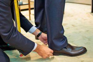 Как правильно подшить брюки