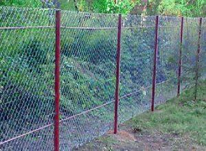 Как построить забор из рабицы