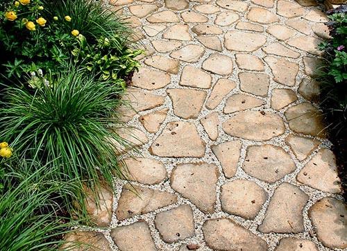 Как выложить дорожки из камня