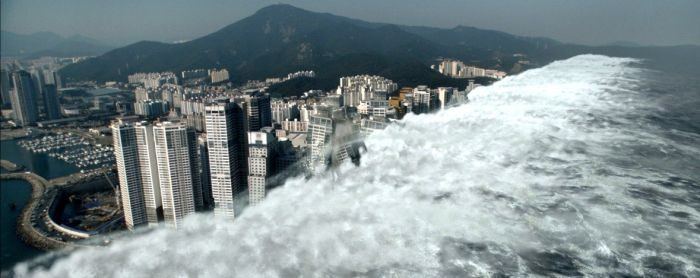 Список топ 10 лучших фильмов про цунами