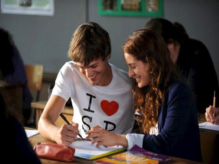 Список топ 10 лучших фильмов про школьную любовь