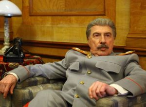 Список топ 10 лучших фильмов про Сталина