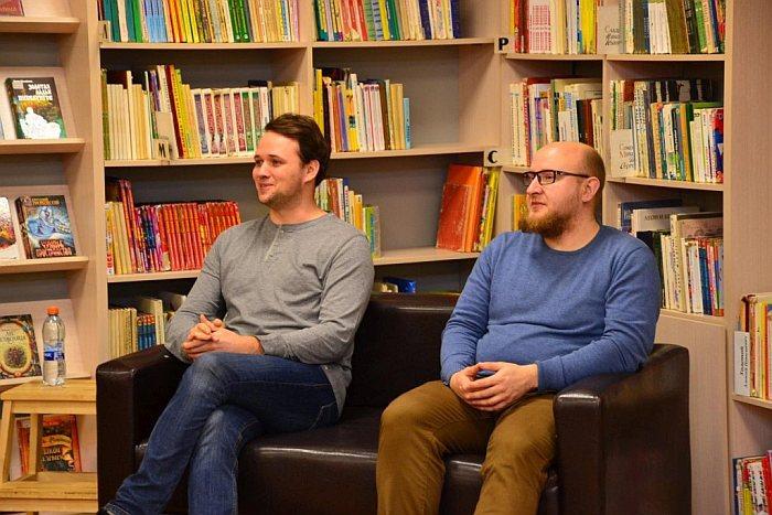 Книги Сергея Савинова и Антона Емельянова